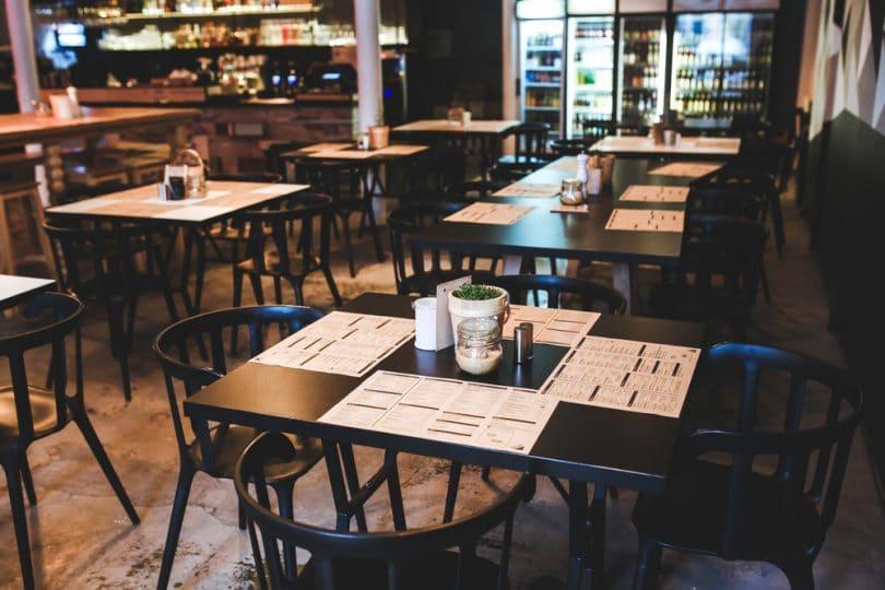 menu restaurant vintage table