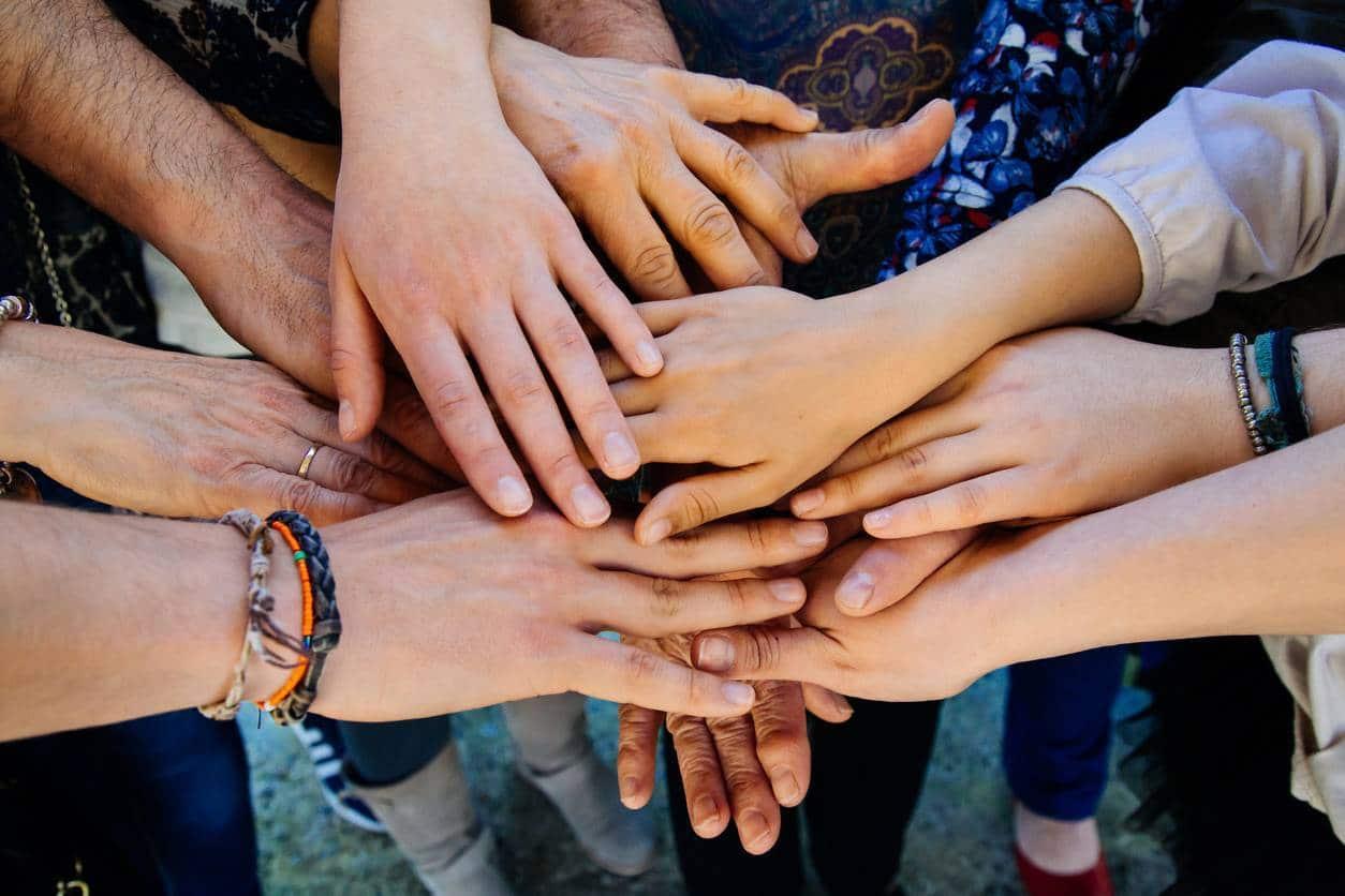 association aide familles